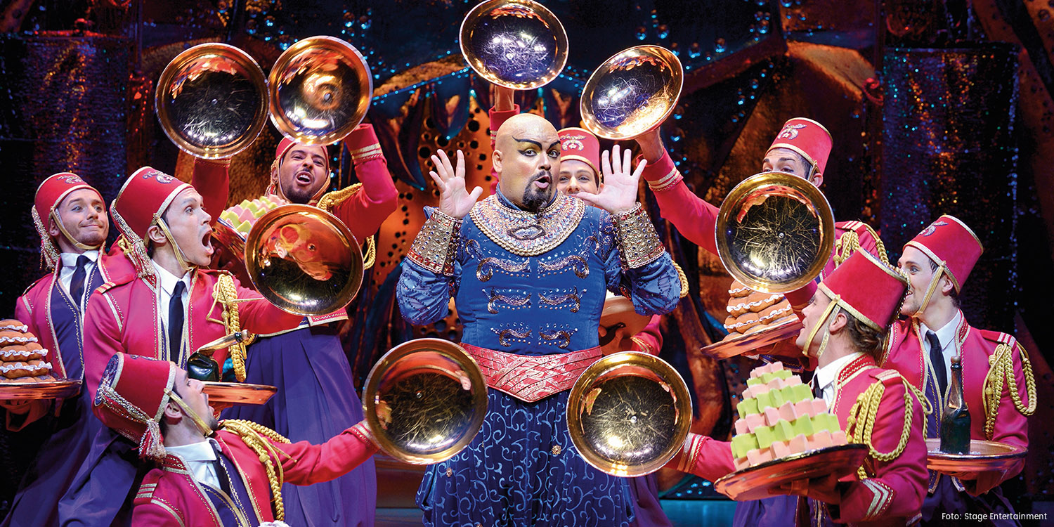 Enrico de Pieri als Dschinni in Disneys ALADDIN in Hamburg, Foto: Stage Entertainment